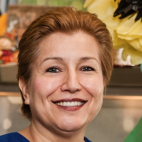 Portrait Image of Ms. Alvarado